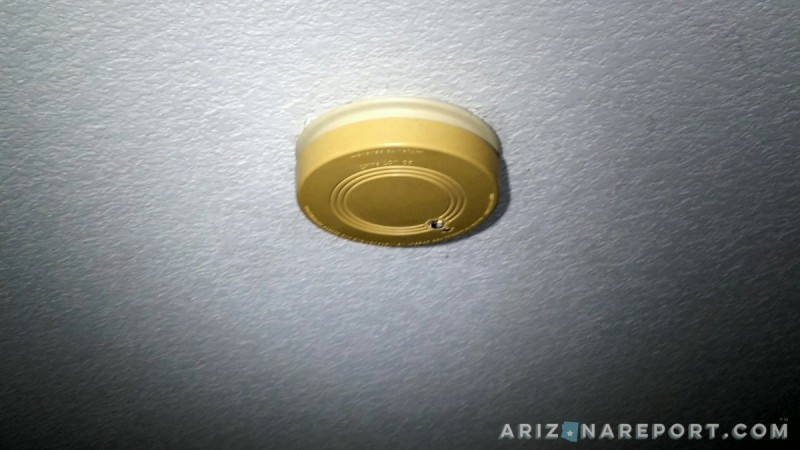 smoke detector home turn yellow color