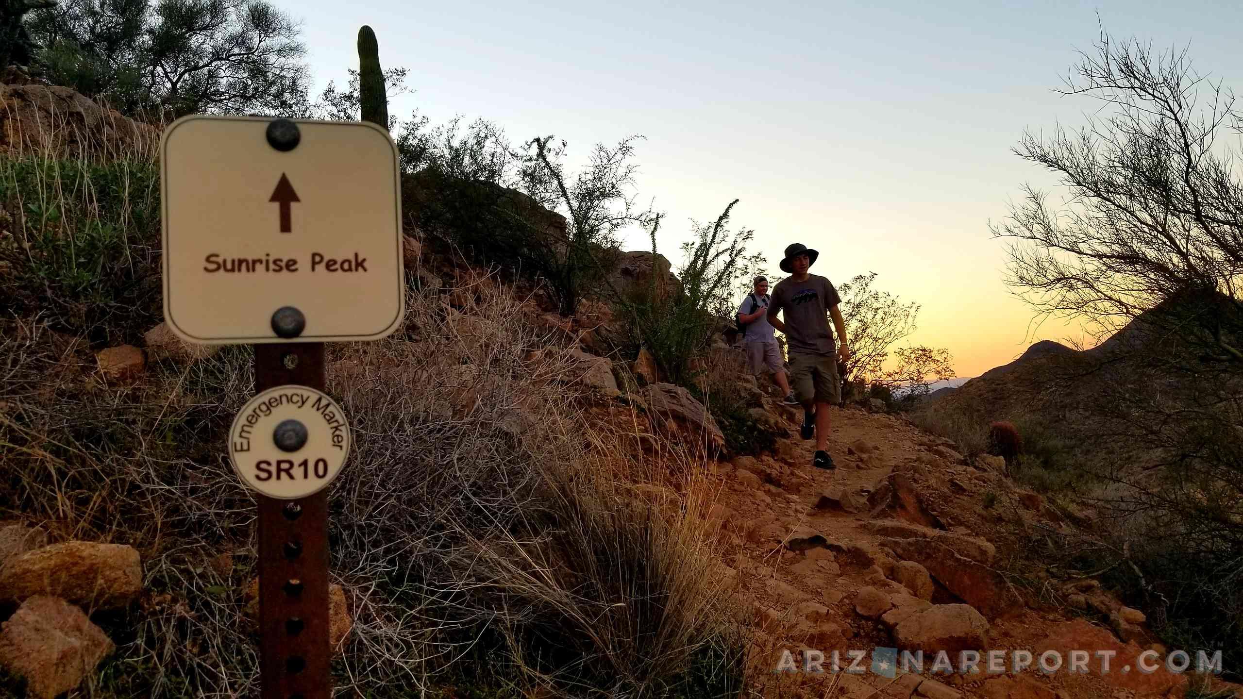 best Phoenix hikes hiking Scottsdale Sunrise Peak trail