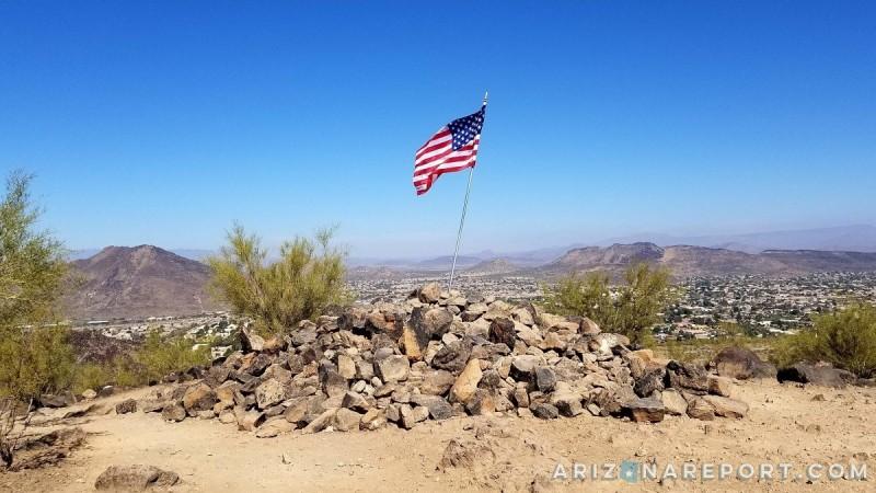 flag summit peak Thunderbird Conservation Park Glendale Phoenix Arizona best hikes trails